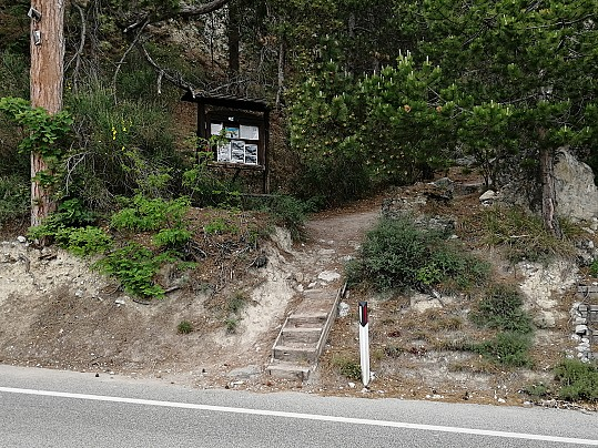 ingresso del sentiero storico celano