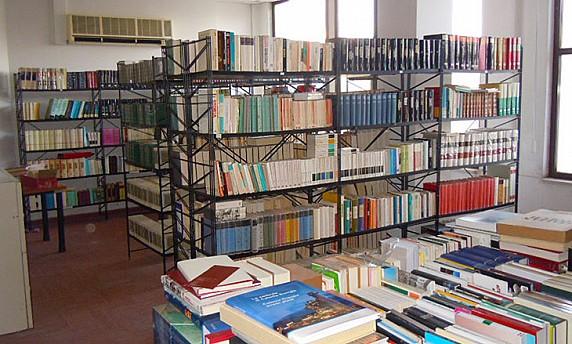 Collelongo-biblioteca