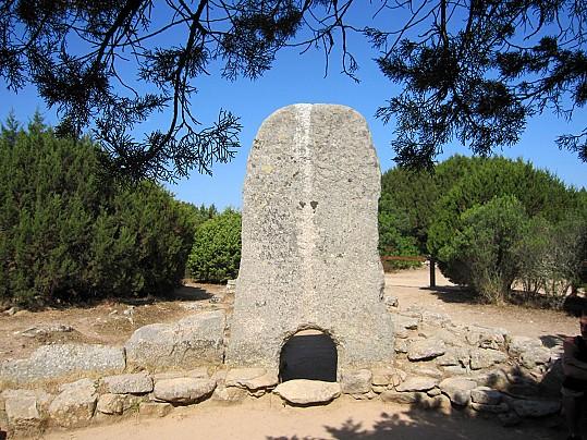 Tomba dei giganti li Mizzani Sardegna