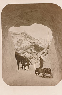 Tunnel nella valanga