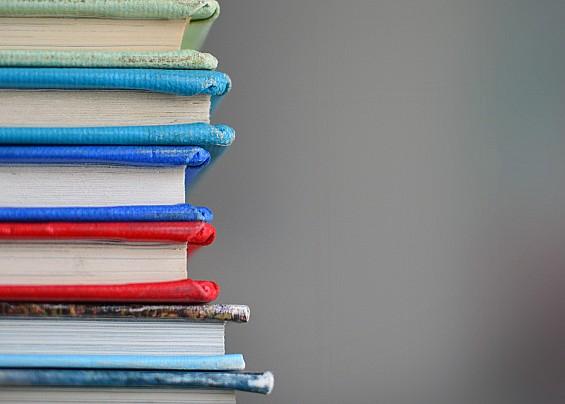 FORNITURA LIBRI DI TESTO PER LA SCUOLA SECONDARIA DI 1° GRADO ANNO SCOLASTICO 2021/22 A FAVORE DI STUDENTI APPARTENENTI A NUCLEI FAMILIARI CHE SI TROVANO IN DISAGIATE CONDIZIONI ECONOMICHE
