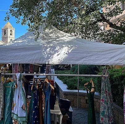 Arzachena, mercatino del mercoledì in centro (15)